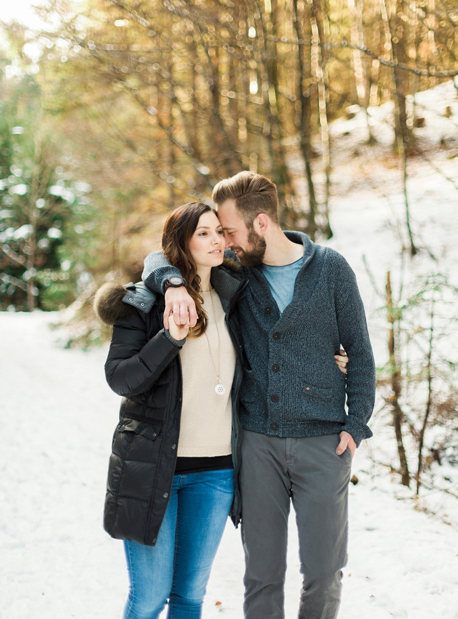 a-snowy-engagement-shoot-at-the-Dobratsch-melanienedelko_0005