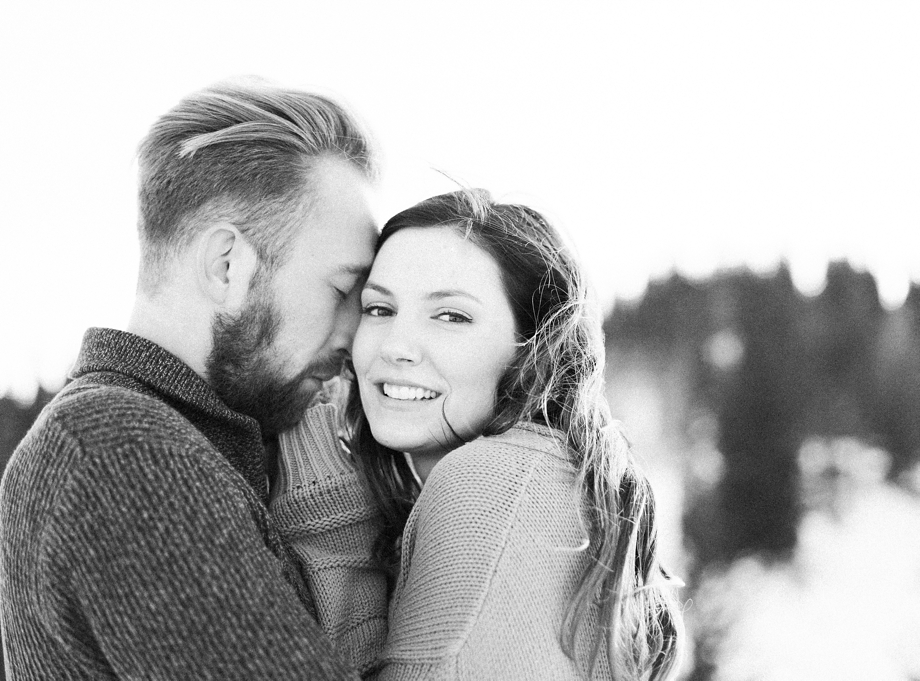 a-snowy-engagement-shoot-at-the-Dobratsch-melanienedelko_0020
