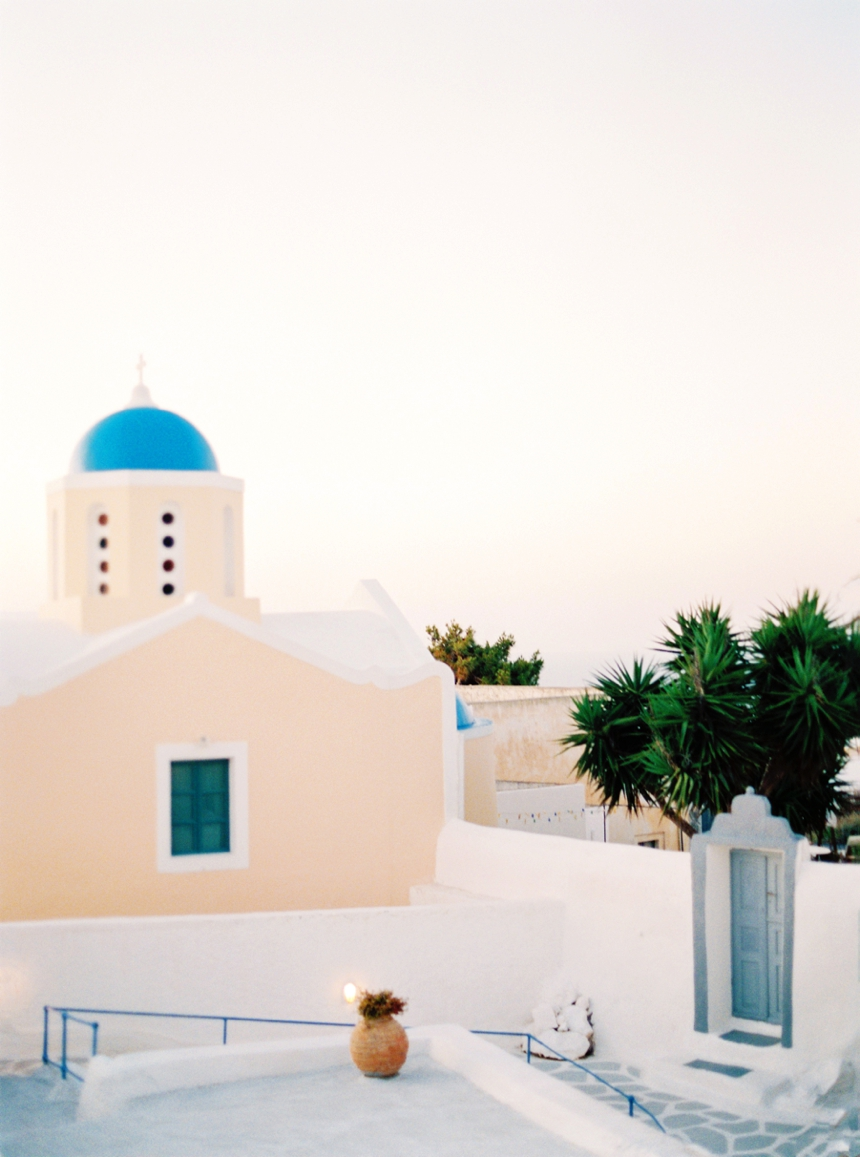 santorini-engagement-session-destination-wedding-photographer-melanie-nedelko_0009