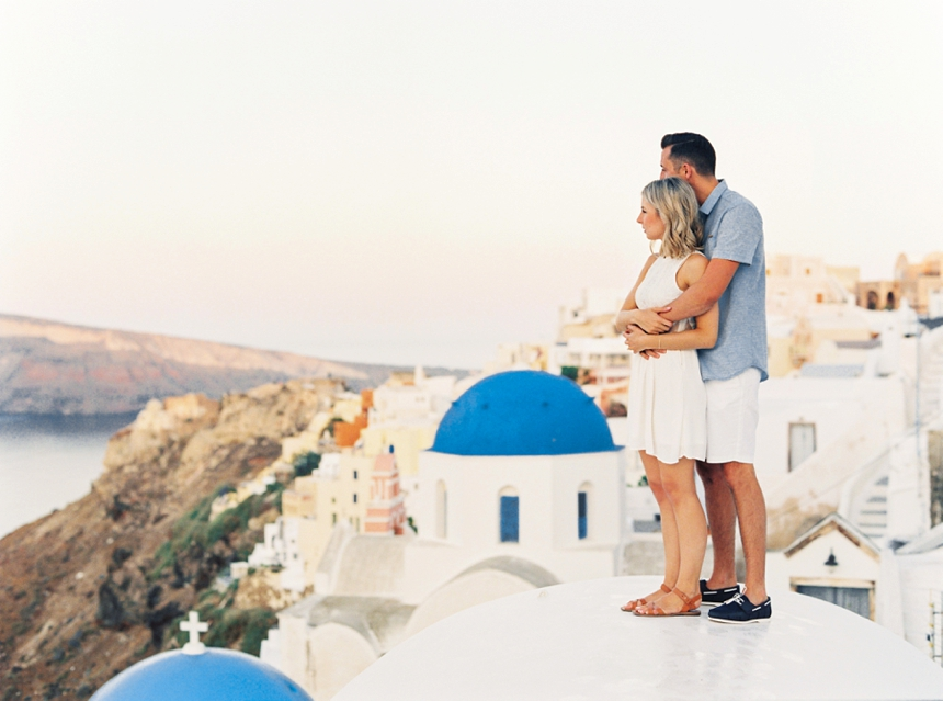 santorini engagement shoot - Sunrise engagement in Oia , Santorini by destination wedding photographer Melanie Nedelko