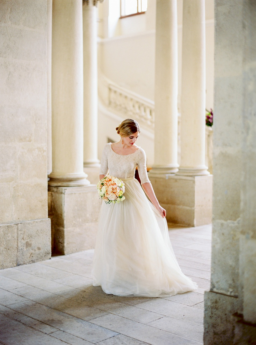elegant castle wedding Austria by Melanie Nedelko wedding photographer