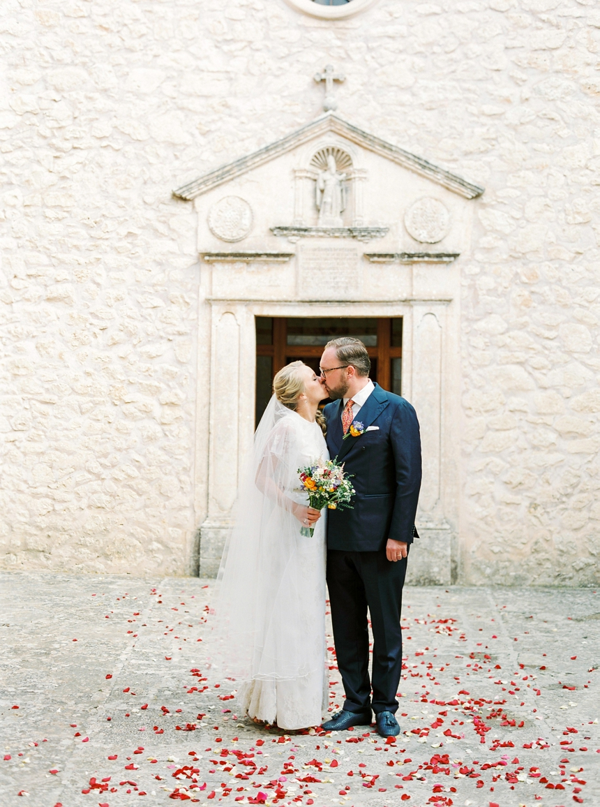 Mallorca Wedding by Melanie Nedelko destination wedding photographer