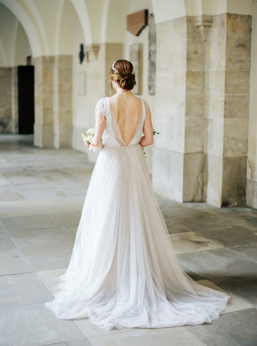 Rara Avis Wedding gown by Melanie Nedelko wedding photographer