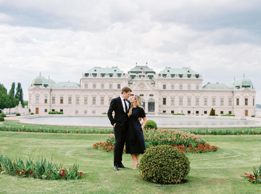 couple photo shoot Vienna Belvedere castle