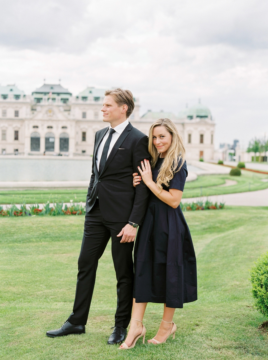 Engagement photo shoot in Vienna's most beautiful gardens